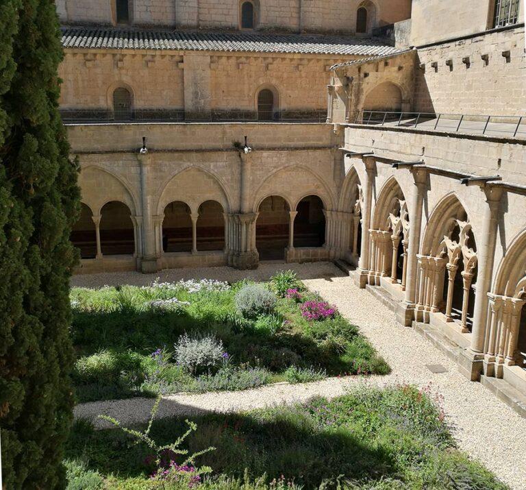 monasterio de poblet jardin