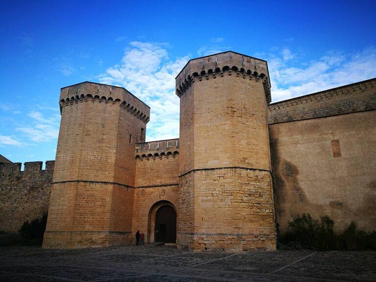 monasterio de poblet puertas